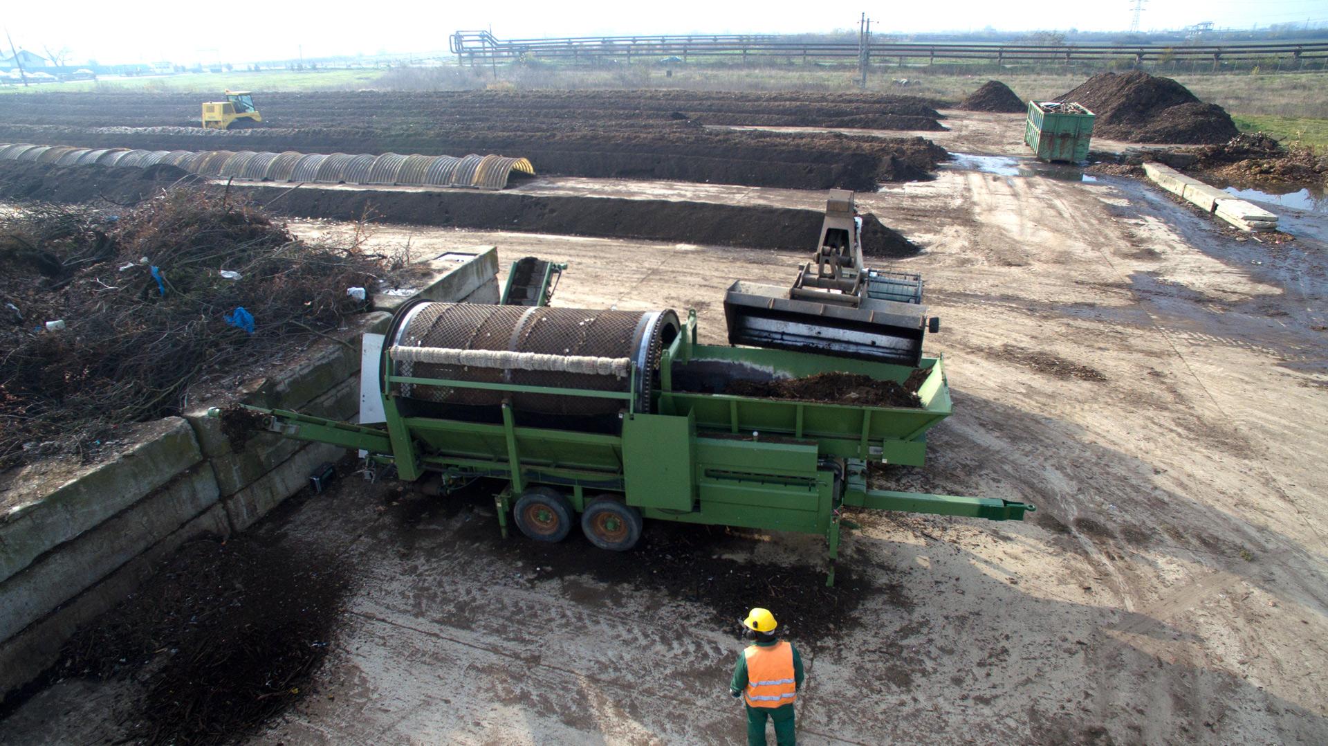 Ce să alegi între compost și biogaz – folosim biodeșeurile pentru afânarea solului, combustibil sau ambele?